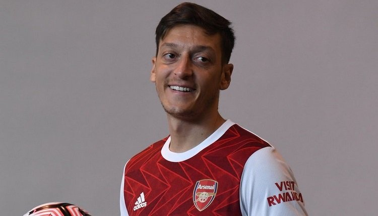 'Mesut Özil'in bilinmeyen yönleri