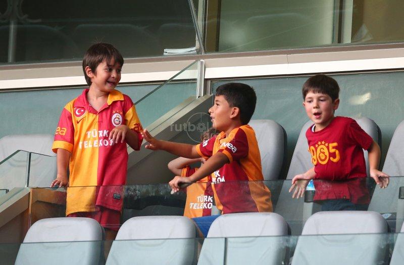 FutbolArena Galatasaray St Johnstone maçında