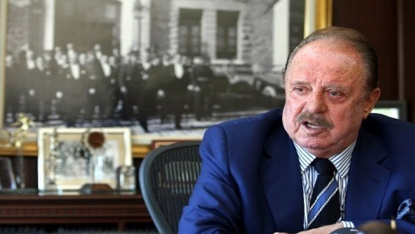 İlhan Cavcav, Aziz Yıldırım'a yüklendi: