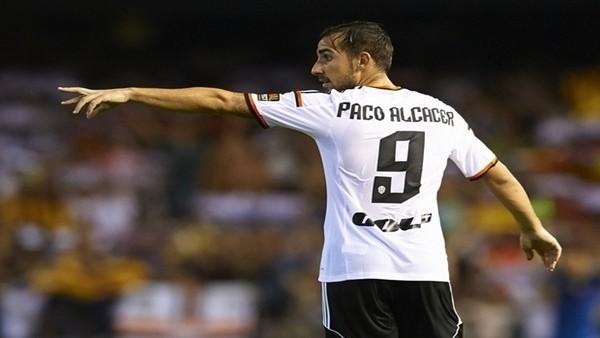 Paco Alcacer, 2020'ye kadar Valencia'da
