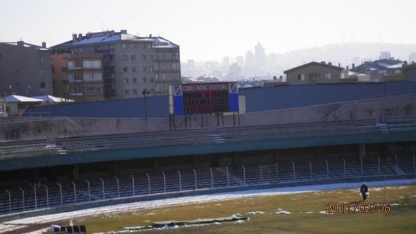Cebeci stadı ne yıkılıyor, ne onarılıyor! Harabeye döndü