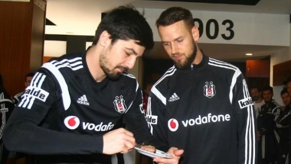 Beşiktaş'ta Milosevic'e doğum günü sürprizi