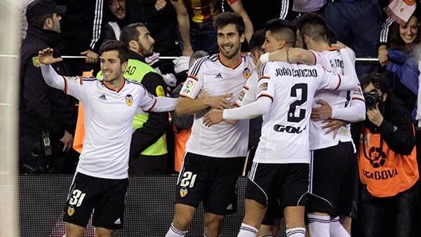 Valencia, Sevilla'yı geride bıraktı!