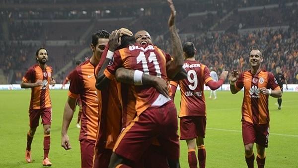 Galatasaray'dan futbolculara 5 milyon Euro'luk jest!