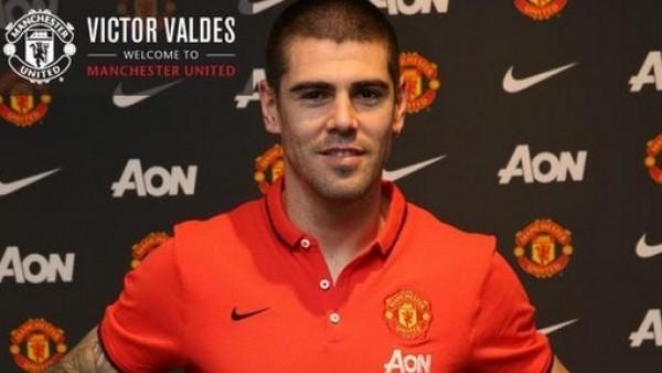 Victor Valdes resmen Manchester United'da