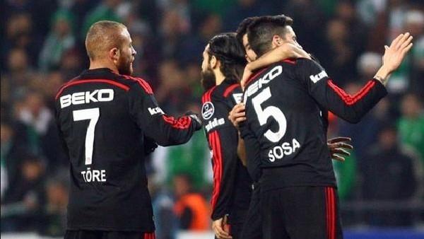 Beşiktaş'ta yıldız isim ilk 11'de