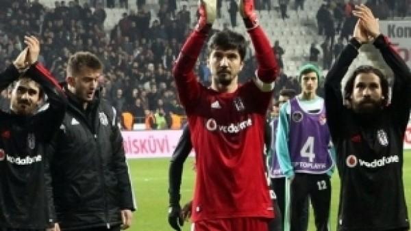 Beşiktaş derbi kazanamadan da şampiyon oldu