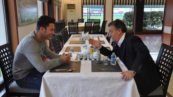 Ahmet Nur Çebi: 'O daha kısa pantolonla dolaşırken...'
