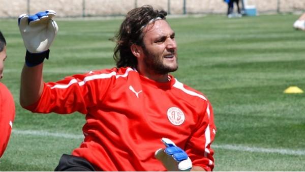 Trabzonspor'dan Hakan Arıkan sürprizi
