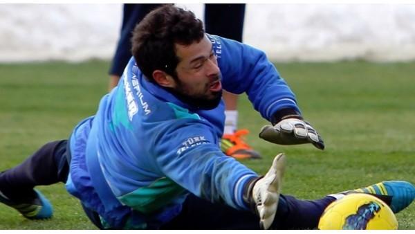 O kaleciyi Trabzonspor'a teklif ettiler