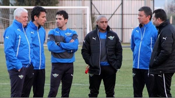 Roberto Carlos, Akhisar'ın başında siftah yapmaya hazırlanıyor