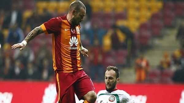 Sneijder'den, Hamza Hamzaoğlu'na ŞOK tepki!