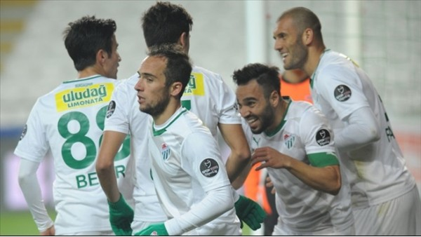 Bursaspor, kupa için Mersin'e gitti
