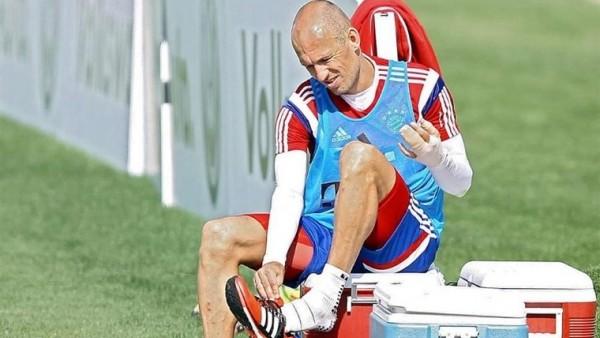 Robben'i timsah ısırdı