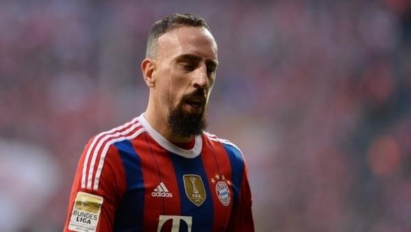 Bayern Münih'te şok! Yıldız futbolcu sakatlandı
