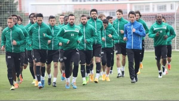 Akhisar Belediyespor'da 3 isimle yollar ayrıldı