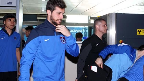 Trabzonspor 6 eksikle Manisa'ya hareket etti