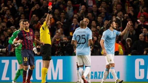 Devler Ligi'nde rakipleri en çok kırmızı kart gören takım Barcelona