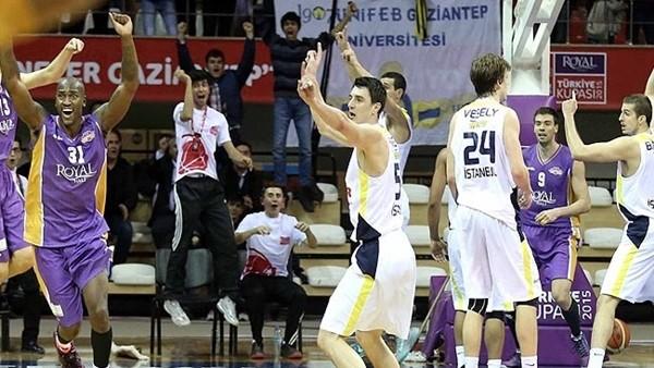 Royal Halı Gaziantep'i 73-72 yenen Fenerbahçe Ülker yarı finalde