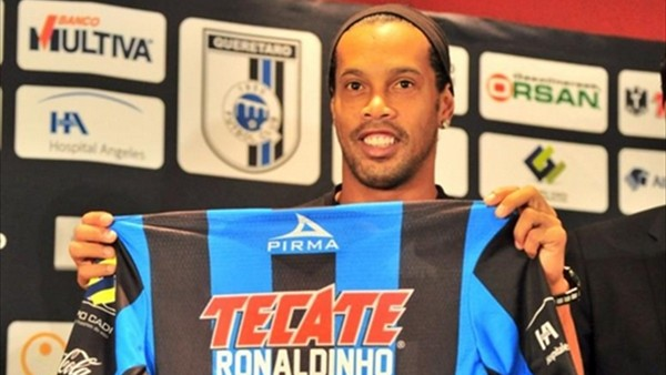 Ronaldinho'nun sonraki durağı Angola mı?