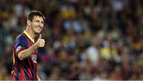 Barcelona maçında uzaylı taraftar!