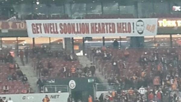 Galatasaray'da Felipe Melo'ya anlamlı pankart
