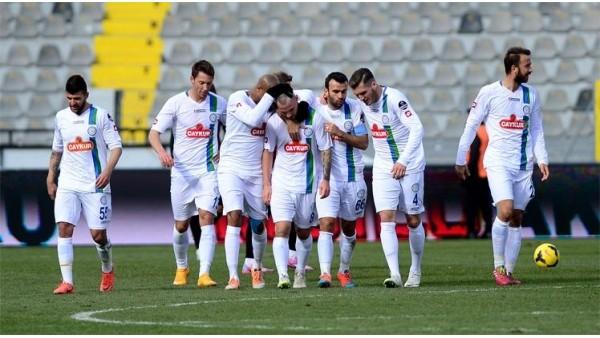 3 kırmızı kartın çıktığı maçta gülen Çaykur Rizespor