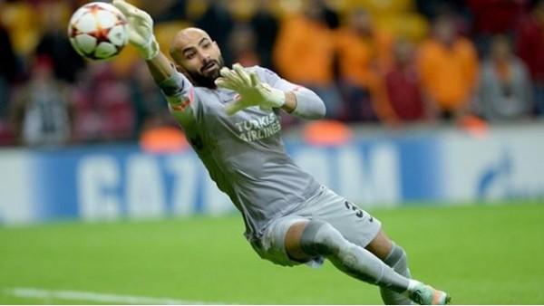 Sinan Bolat 6. resmi maçında da gol yedi