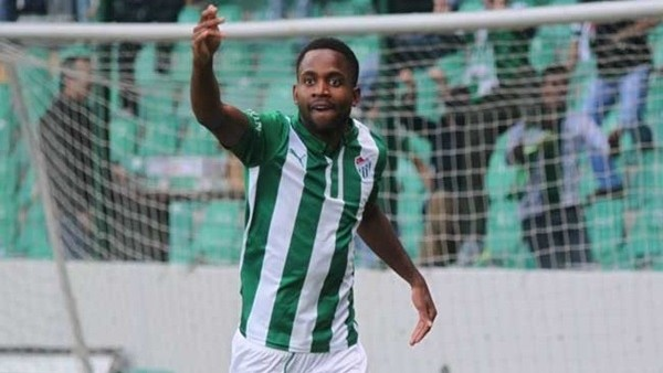 Bursaspor'da Bakambu 3. kez hat-trick yaptı