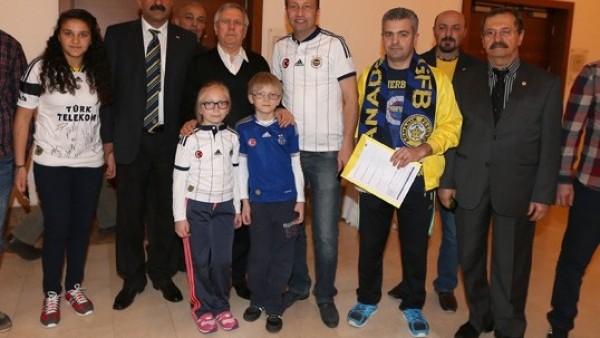 Aziz Yıldırım, Konya'da yeni üyelerle buluştu