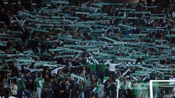 Konyaspor tribünleri: 'Aziz Yıldırım şike yapsana'