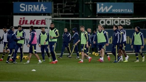 Fenerbahçe Konya'da moral peşinde