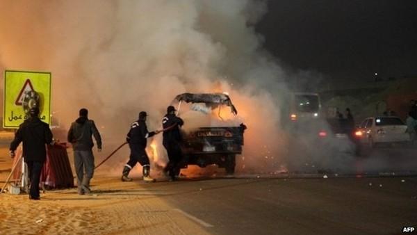 Mısır'da futbol taraftarlarıyla polis çatıştı