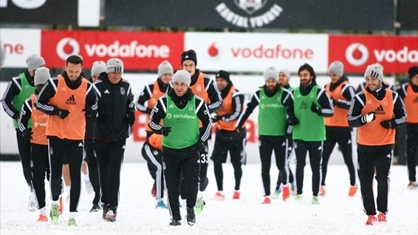 Beşiktaş'a hava koşullları engeli