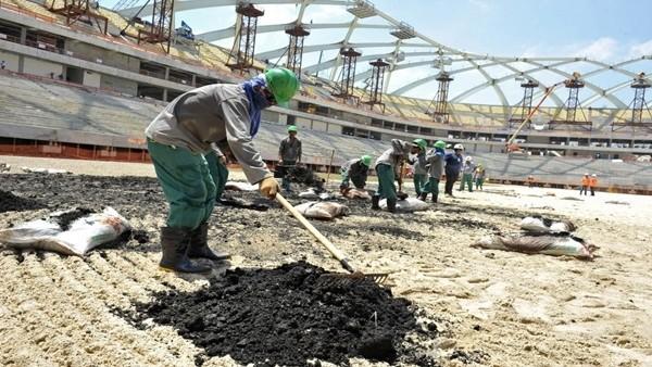 Katar'da stat inşaatlarında ölenlerin sayısı 1200'ü buldu!