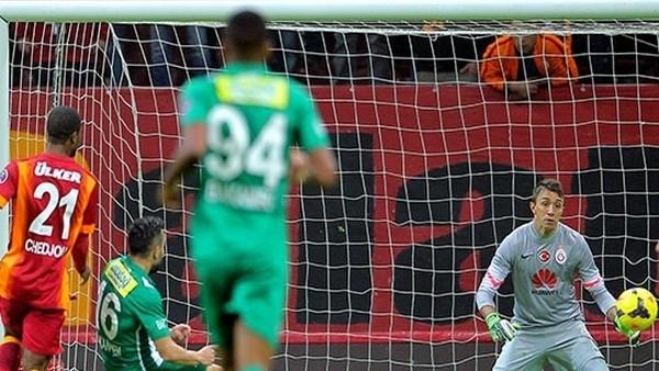 Bursaspor'un golü için olay yorum: 'Bu tam şike kokusu!'
