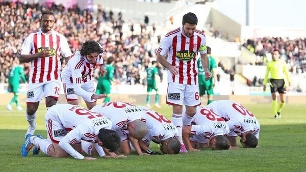 Sivasspor, Akhisar Belediyespor'u mağlup etti