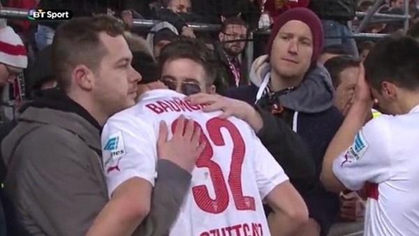 Gole sebep olan oyuncuyu taraftarlar teselli etti