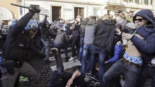 Feyenoord, Roma'yı birbirine kattı!