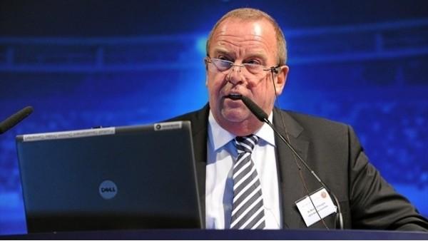 FIFA, D'Hooghe'yi akladı