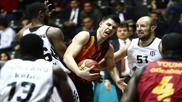 Galatasaray, Beşiktaş'ı 65-64 yendi
