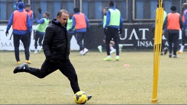 Mehmet Özdilek: 'Bu takım ligde kalacak!'