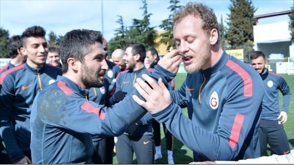 Galatasaray'lı futbolculara prim müjdesi