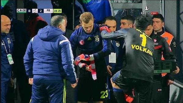 Fenerbahçe'de ŞOK sakatlık! Oyundan çıktı...