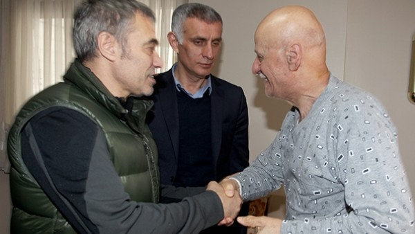 Trabzonspor'da Ahmet Suat Özyazıcı'ya ziyaret