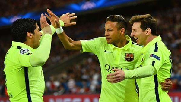 Barcelona 400 gol barajını geçti