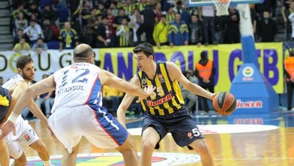 Fenerbahçe, Anadolu Efes'i uçuruma sürükledi