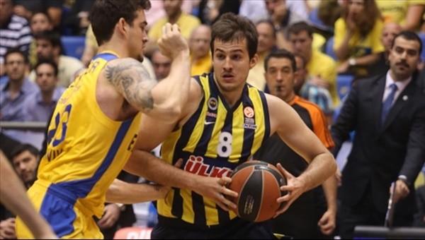 Fenerbahçe'ye yıldız isimden kötü haber
