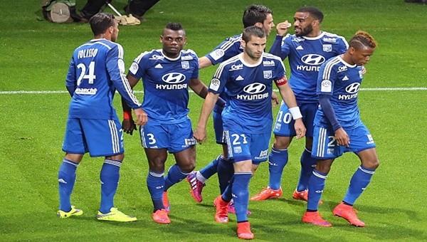 Lyon şampiyonluktan vazgeçmiyor