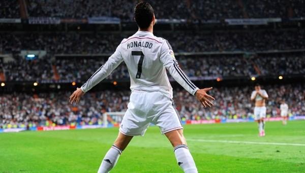 Ronaldo Roberto Carlos'u yakaladı